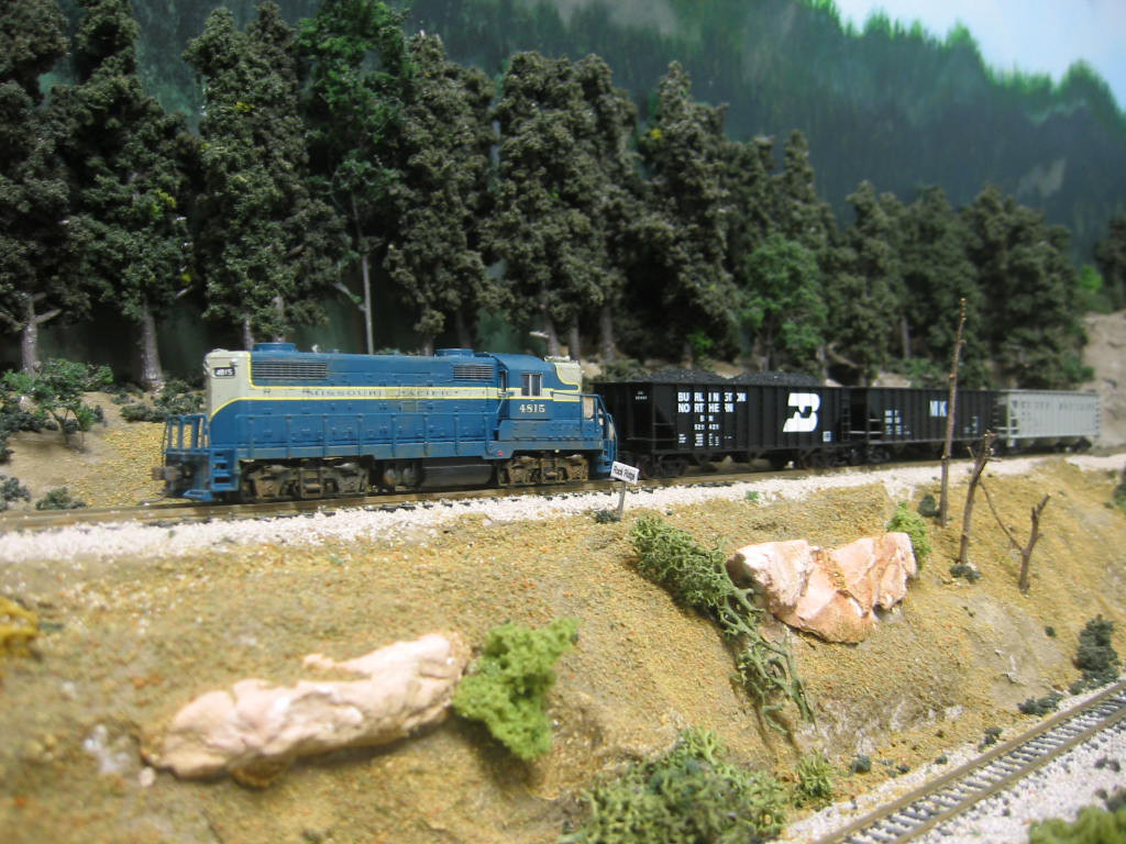The Elaine switcher creeps along the line at Rock Ridge.